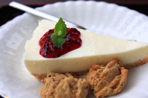 自家製レアチーズケーキ