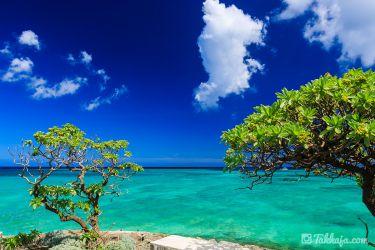 恩納村 青い海